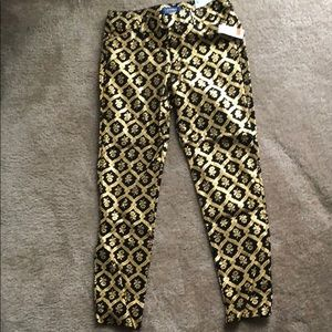 NWT - Old Navy Mid-Rise Ankle Length Pixie Pant